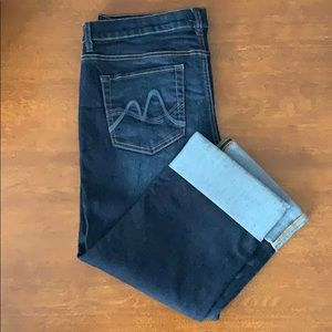 New York & Company Low Rise Cropped Jeans